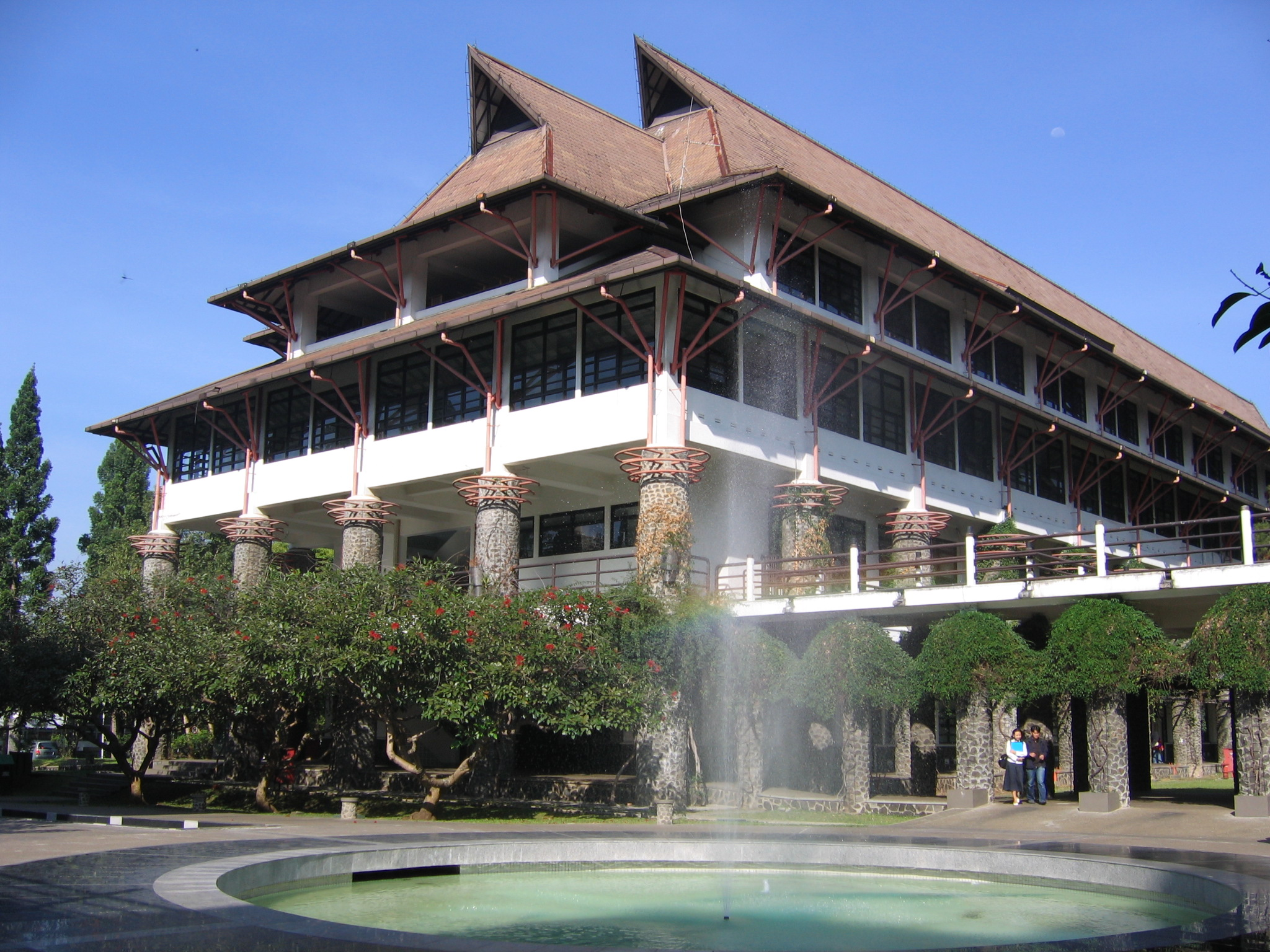 STEI ITB SUMMER SCHOOL AND SUMMER CAMP